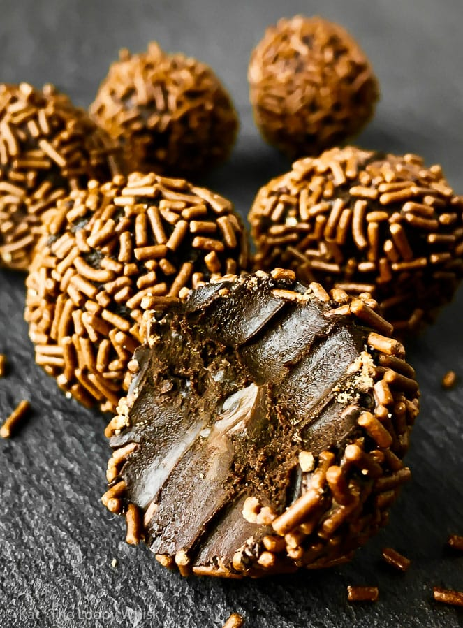 Healthy Vegan Chocolate Truffles